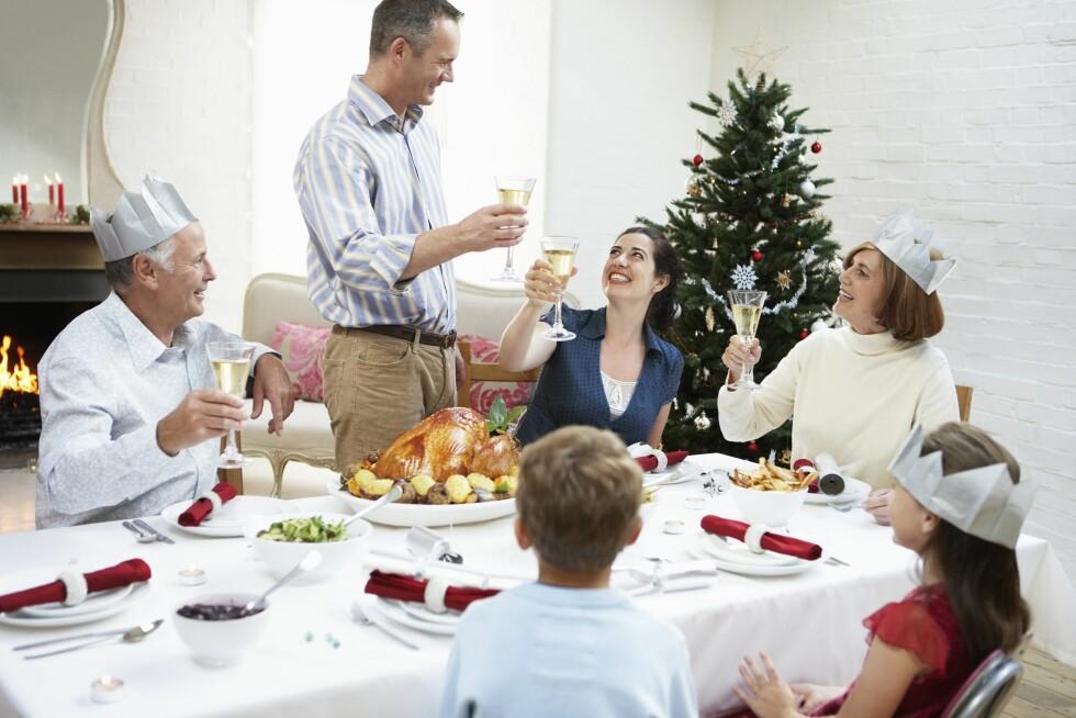 FAMILIE: Vi er mer sammen i julen, og fordi det er uvvant, kan det føre til konflikter sier ekspertene. Foto: All Over Press