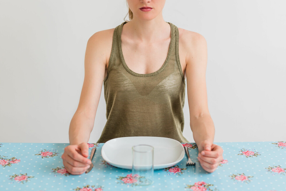 ALT ELLER INGENTING: Å hoppe over måltider er heller ikke veien å gå. Kroppen setter pris på et regelmessig spisemønster. Foto: REX/Voisin/Phanie/All Over Press
