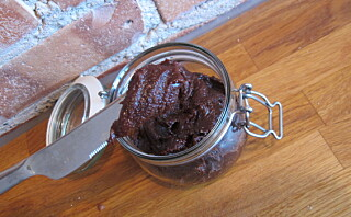 Slik lager du et sunnere sjokoladepålegg selv