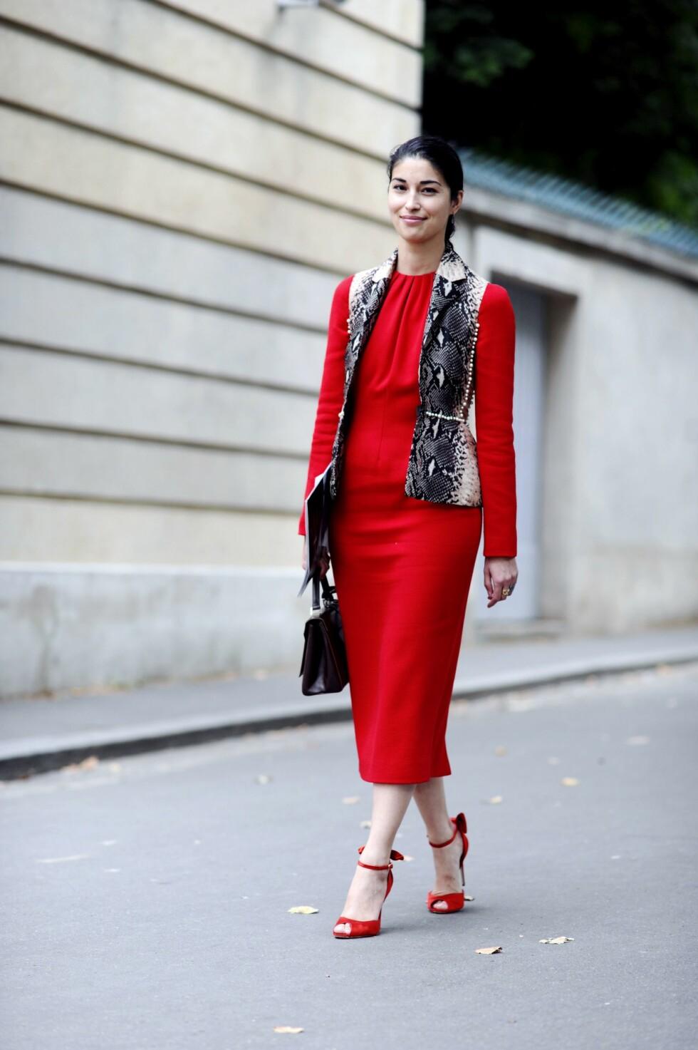 TIL FESTSESONGEN: Det er lite som passer like godt til festsesongen som en lekker rød kjole.  Foto: All Over