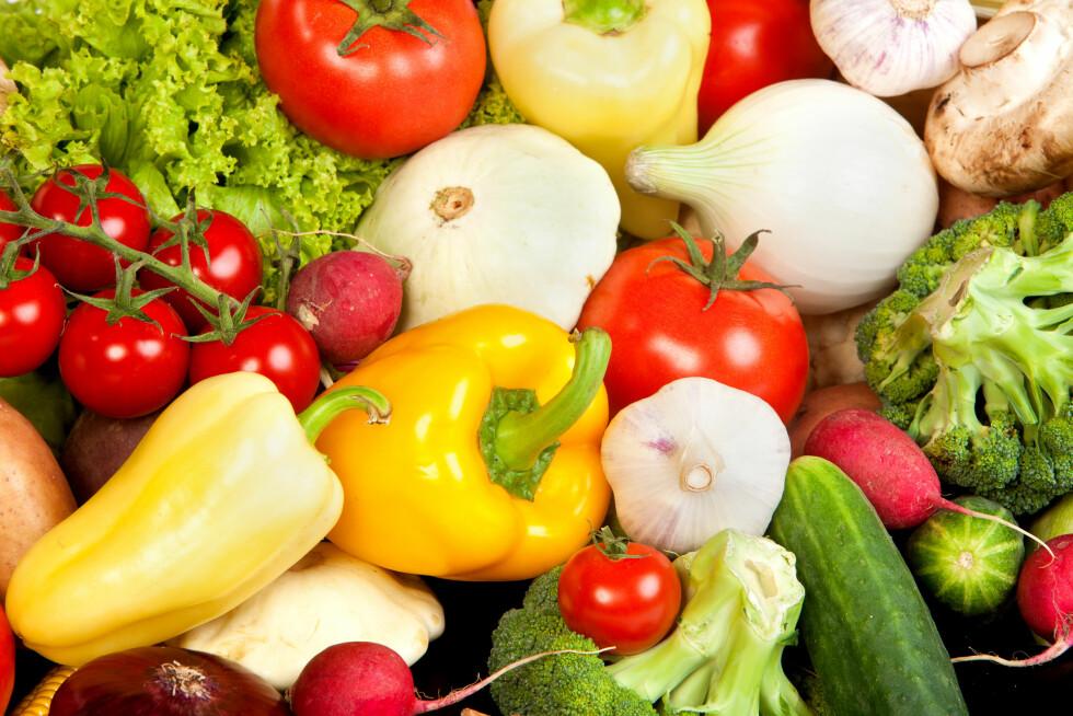 EN HALV KILO OM DAGEN: Helsedirektoratet anbefaler at du får i deg minst en halv kilo om dagen av grønnsaker, frukt og bær. Det er ikke alltid like lett… Foto: Colourbox
