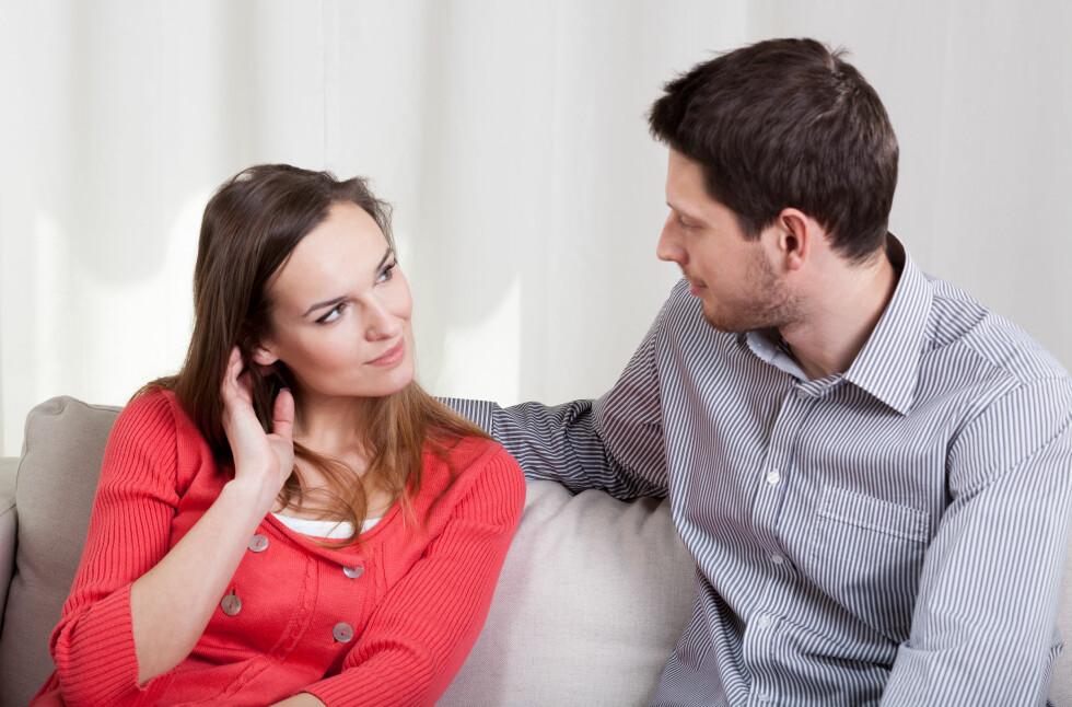 TA INITIATIV SELV: Dersom partneren din ikke tar initiativ til sex bør du i tillegg til å prate med han også vise at du har lyst ved å selv ta initiativ til sex.  Foto: Photographee.eu - Fotolia