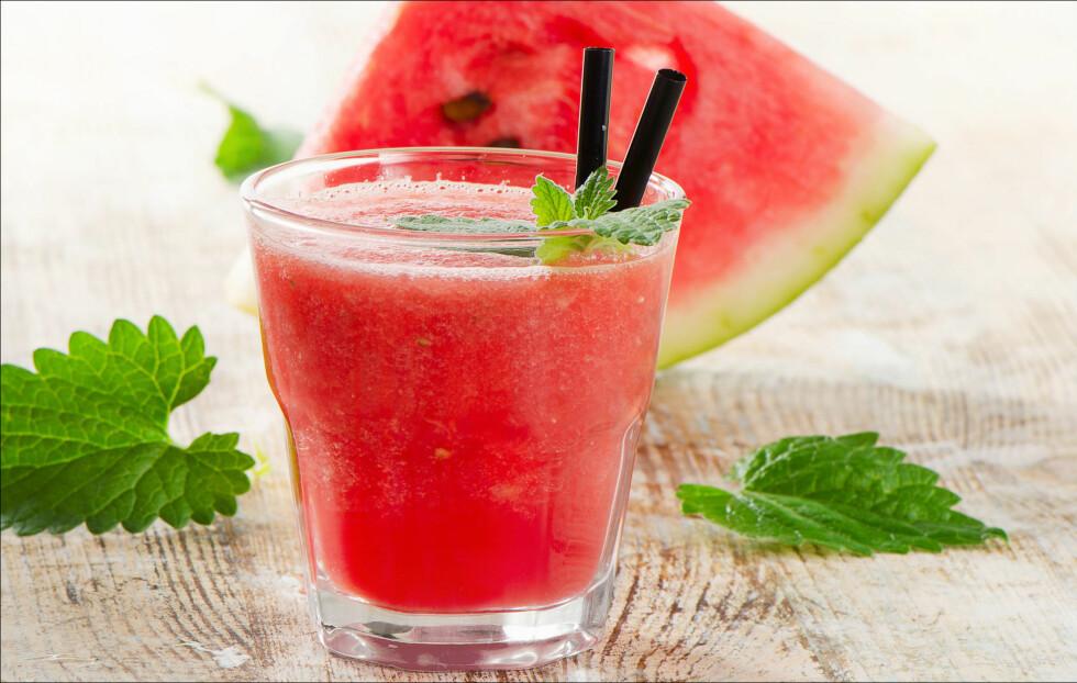 VELG ALKOHOLFRITT: En alkoholfri drikk vil sørge for at du ikke blir like beruset, samtidig som at du har noe godt i glasset.  Foto: bit24 - Fotolia