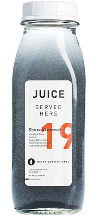 LIMONADE: Denne limonaden til Juice Served Here inneholder aktivt kull.  Foto: Produsenten
