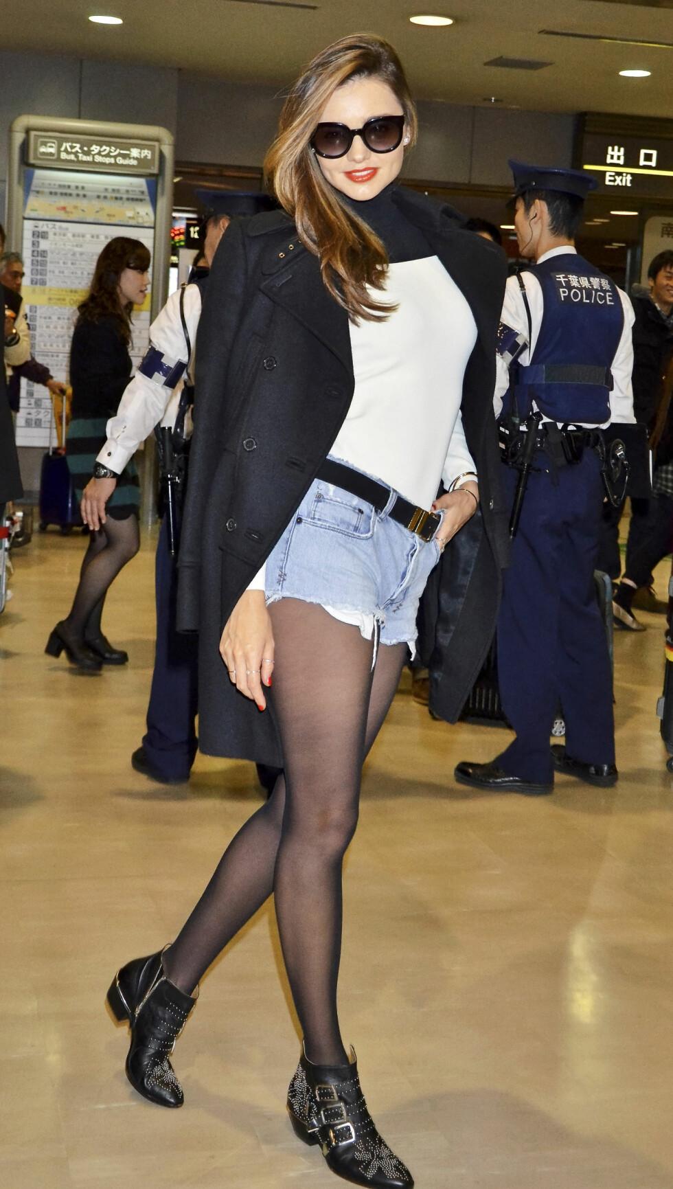 COWBOYKLASSIKER: Chloès Susanna-boots finnes både i rødt og svart, og er en faovoritt hos Sienna Miller, Emma Roberts og Lily Aldridge.   Foto: All Over Press