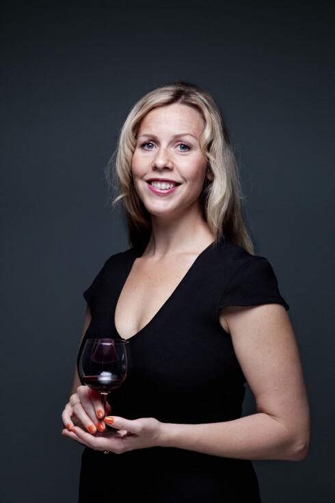 SVAKT INNOVER: Velg et vinglass som vender svakt innover, er ett av tipsene fra vinskribent Ingvild Tennfjord. Foto: Holand, Lars Myhren