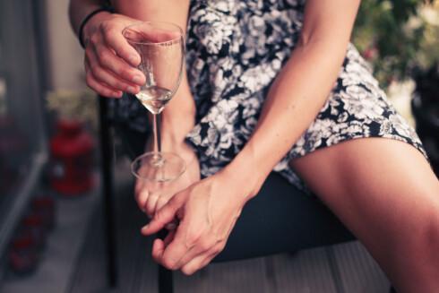 FULL? Det er ikke bra å drikke 14 alkoholenheter på én og samme dag.  Foto: Fotolia