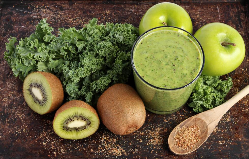 LAG EN SMOOTHIE: Gjerne med grønne grønnsaker, som er veldig bra for immunforsvaret dit. Foto: mariemilyphotos - Fotolia