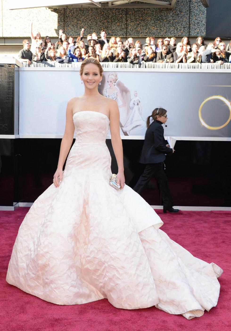 Vixen » Supermodell Bella Hadid er nytt ansikt for Dior Makeup