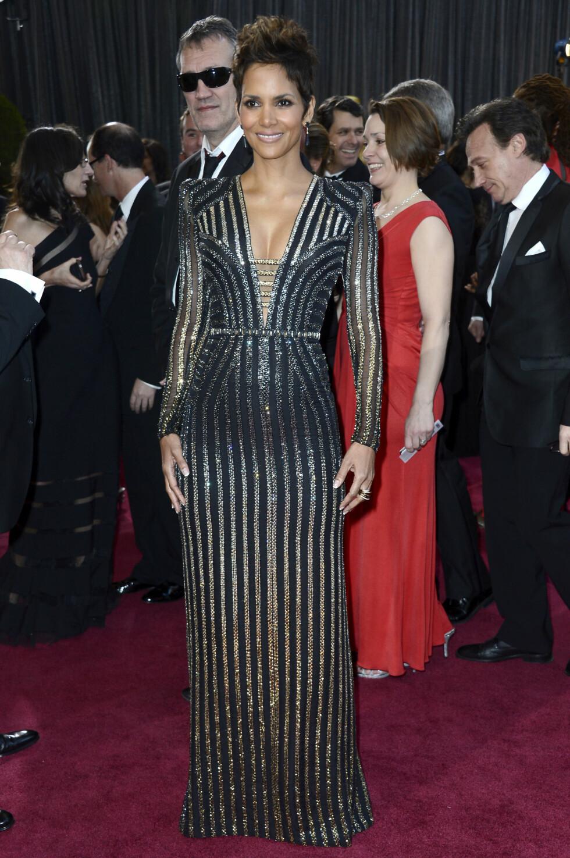 - Jeg ba Donatella om en Bond-kjole