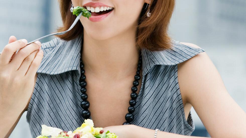 EVIG UNG: Kvinner er generellt sett flinkere til å ta vare på helsen. Belønningen er fire år ekstra levetid.  Foto: All Over Press