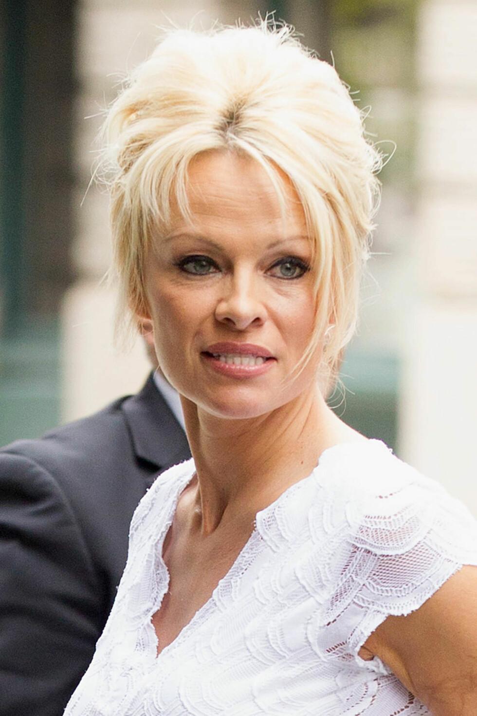 Pamela Anderson i 2014. Baywatch-heltinnen har aldri holdt sine inngrep skjult... Foto: Freddie Baez/startraksphoto.com/