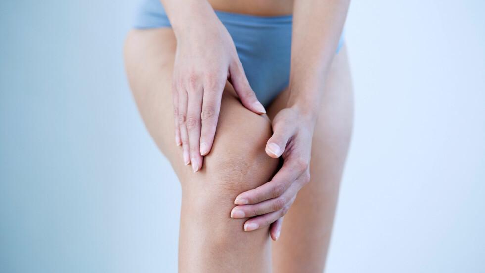 VONDT KNE: Belastningsskader i knær er et ganske vanlig problem å slite med. Her er noen tips til hvordan du best kan unngå slike plager. Foto: BSIP SA / Alamy/All Over Press