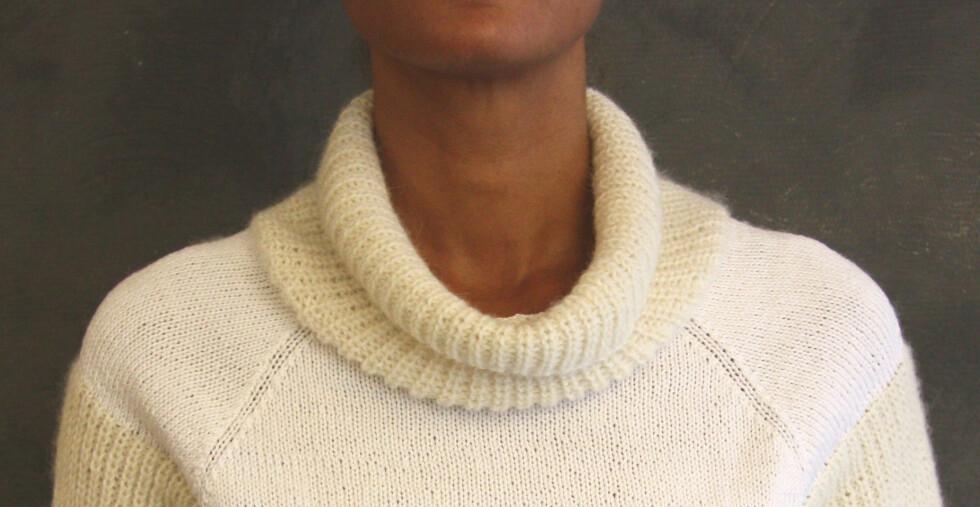 SLANK HALS: Rull kragen ned for en lang slank hals. Foto: Stine Therese Strand