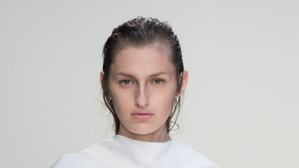 NATURLIG: Modellene på Marnis Fashion Week-show for våren 2015 hadde helt nude sminke. Foto: PIXELFORMULA/SIPA/All Over Press