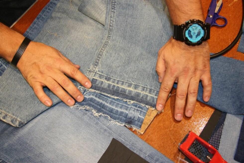 Når du har fjernet hele sømmen og bretter ned kanten, ser det sånn ut. Et tips er å stryke buksebent for at det ikke skal krølle seg opp.