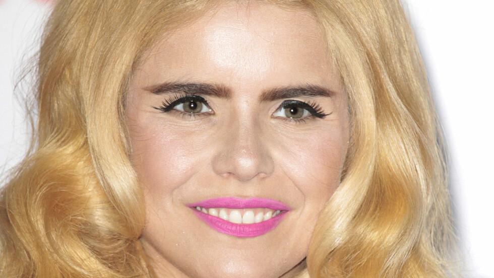 FOR MØRKE: Den britiske sangstjernen Paloma Faith har alltid veldig mørke bryn - her, i kombinasjon med bleket blondt hår, blir denne fargen for mørk, og resultatet er hardt og at hun blir seende litt eldre ut.  Foto: (c) info100/Demotix/Corbis/All O