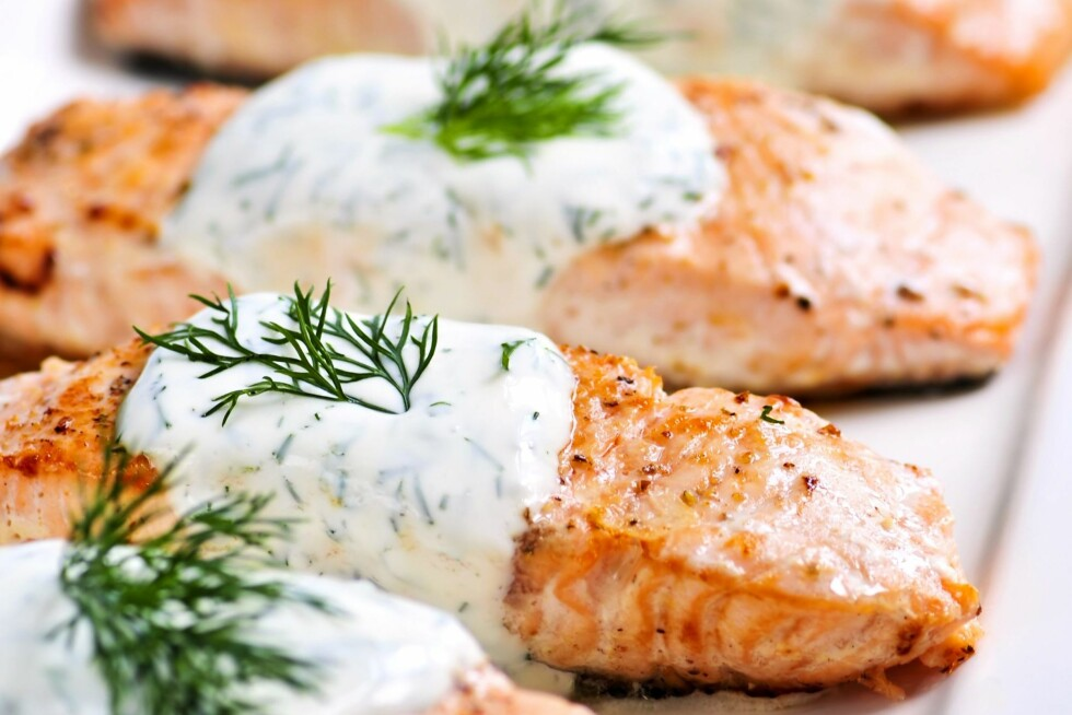 IKKE DROPP FET FISK: Det er i hvert fall ingen grunn til å droppe fet fisk som laks og ørret til fordel for magrere varianter. Den er riktignok litt fetere, men er også en av de beste kildene til de viktige omega-3 fettsyrene.  Foto: All Over Press