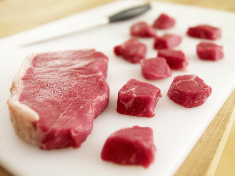 <strong>KJØTT KAN GI TREG MAGE:</strong> Et høyt inntak av kjøtt vil føre til at ufordøyd protein skaper en tarmmasse som kan gi forstoppelse. Foto: REX/OJO Images/All Over Press