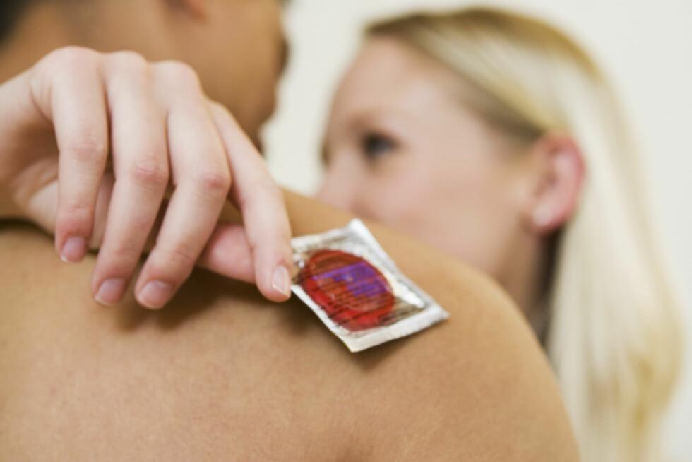 KONDOM: Ikke glem at dette er det eneste som beskytter dere mot kjønnssykdommer. Foto: All Over Press
