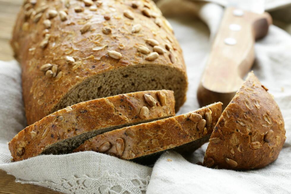 BEST SOM SAFTIG: Tørt brød er ikke så fristende, men du kan vekke liv i det så det blir spiselig igjen. Foto: dream79 - Fotolia