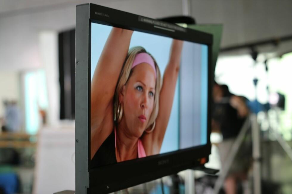 FIKK BRYSTKREFT: Anne Kari Prestegård (39) fikk brystkreft i 2011 og har siden fjernet begge brystene. Hun er en av åtte norske kvinner som er med i musikkvideoen. Foto: Aktiv mot kreft