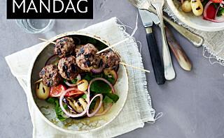 Grillede lammekjøttboller med lun potetsalat