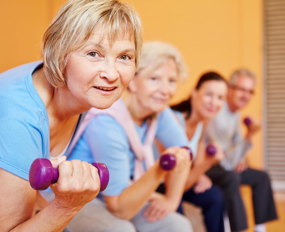 BYGG MUSKLER: Muskelsvinnet blir større og større desto eldre man blir. Styrketrening er derfor veldig viktig. Foto: Robert Kneschke - Fotolia