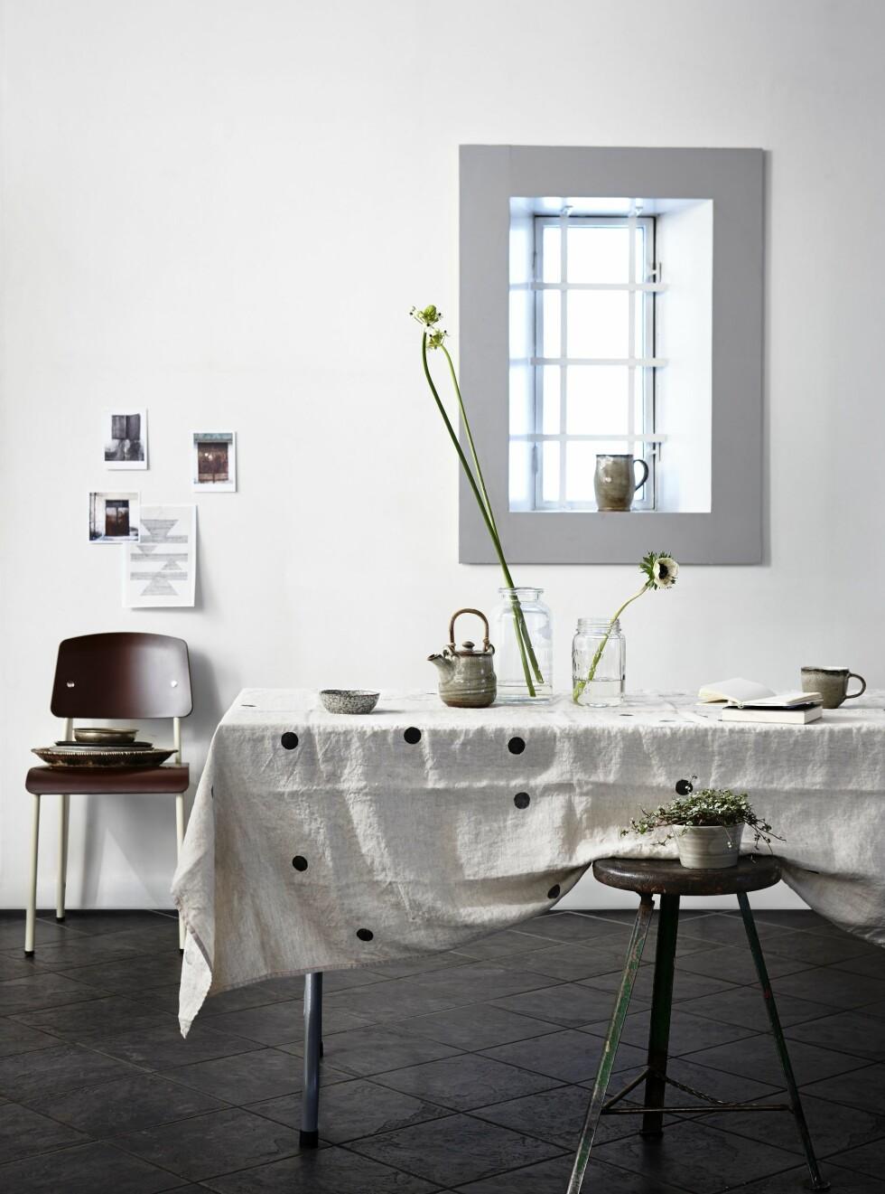 HELT ENKELT: En og en blomst i vaser kan bli utrolig kult!  Foto: Per Gunnarson