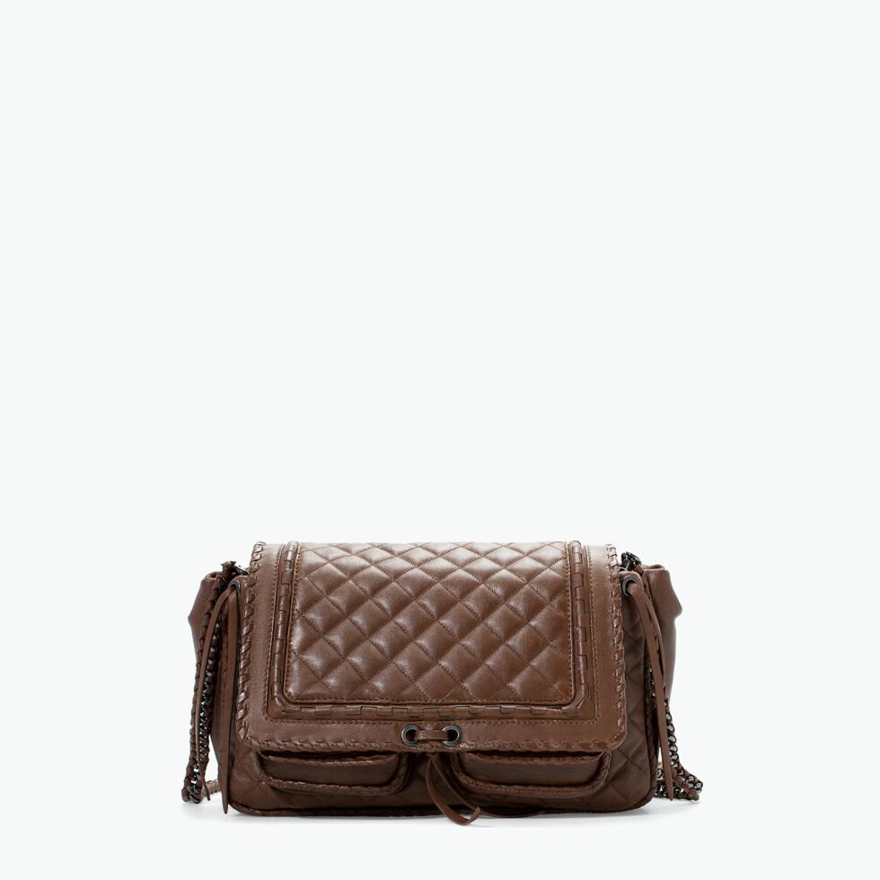Citybag i vattert skinn (kr 959, Zara). Foto: Produsent