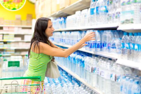 <strong>STORT VANNUTVALG:</strong> Nå om dagen finnes det utallige varianter av smaksatt vann med kullsyre. Foto: Art Allianz - Fotolia