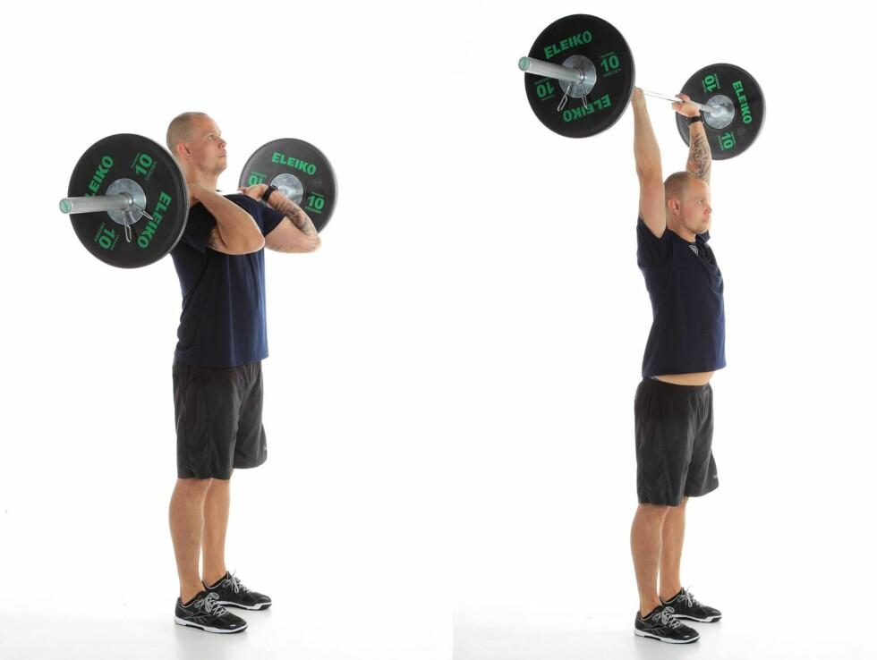 STÅENDE SKULDERPRESS: Her viser Jensen hvordan du utfører stående skulderpress. Tyngde er selvsagt opp til deg.  Foto: Øystein Jensen