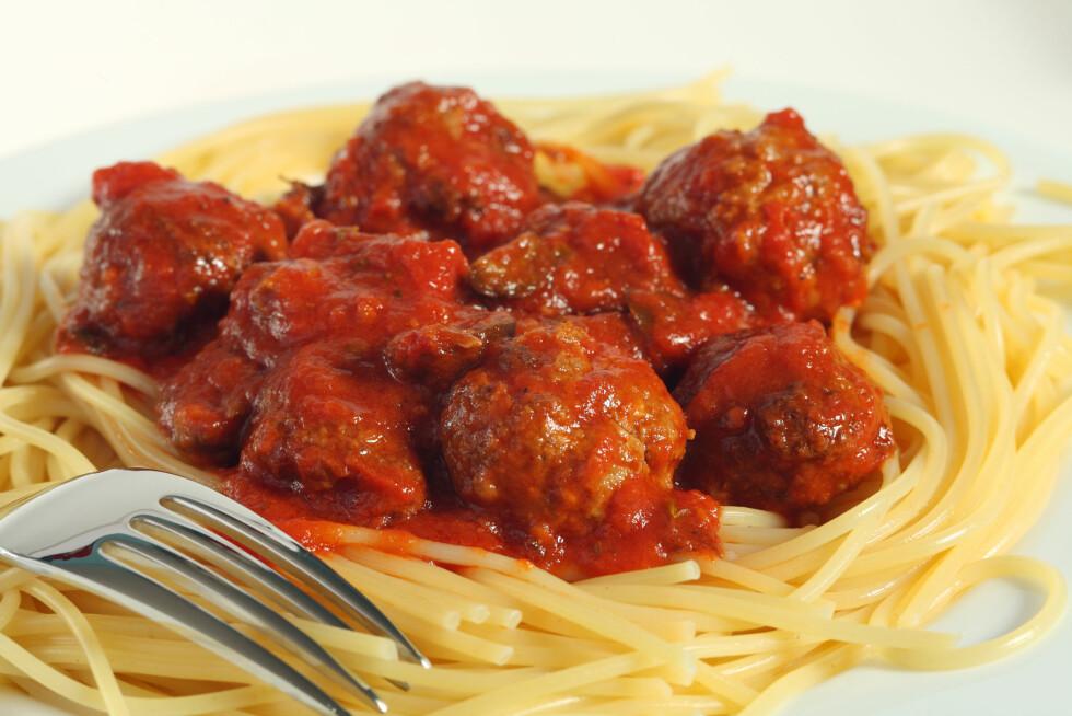 TOMATSAUS: Et annet alternativ er å bruke den i tomatsaus. Kombinasjonen av ingredienser gjør at det i tillegg har andre fordeler for helsen din. Foto: REX/Stock Connection/All Over Press