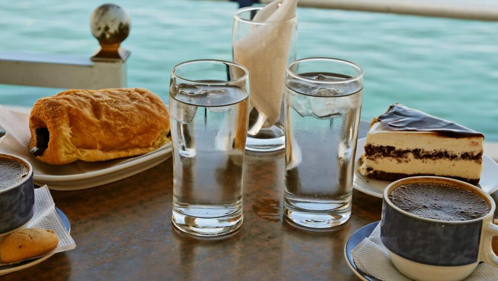 <strong>RETT FRA SPRINGEN:</strong> Det er ikke bare i Norge vi har godt drikkevann rett fra springen. I de fleste vest-europeiske land vil man trygt kunne drikke vannet rett fra kranen uten å risikere noen helseskade.  Foto: imageBROKER / Alamy/All Over Press