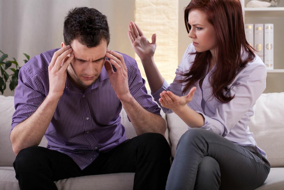 IRRITASJONSMOMENTER: Mange oppdager etter en periode at det er flere ting ved partnerens vaner som irriterer dem. Er dere ikke flinke til å kommunisere kan slike plager føre til et brudd.  Foto: Photographee.eu - Fotolia
