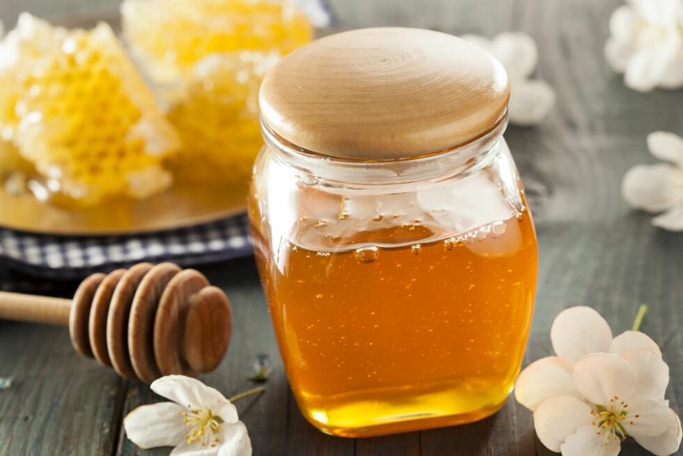 UBEHANDLET HONNING: Om du spiser mye honning anbefaler eksperten deg å velge en som er rå og økologisk.  Foto: Brent Hofacker - Fotolia