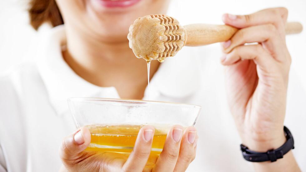 NÆRINGSSTOFFER: Honning inneholder mange næringsstoffer som er bra for oss. Det du imidlertid må være oppmerksom på er at disse forsvinner dersom du varmer den.  Foto: maska82 - Fotolia
