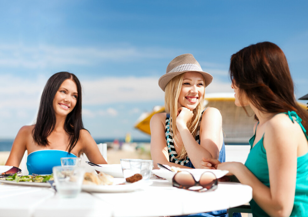 <strong>PÅ FERIE:</strong> Mange får forstoppelse på ferie fordi de spiser uvant mat til uregelmessige tider.  Foto: Syda Productions - Fotolia