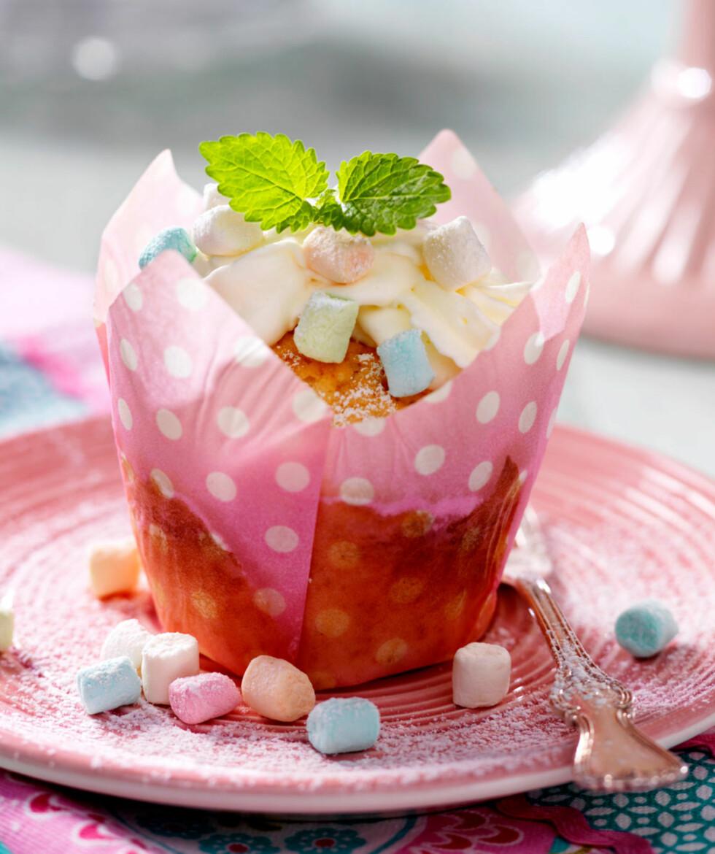 Muffins med ananas og marshmallows