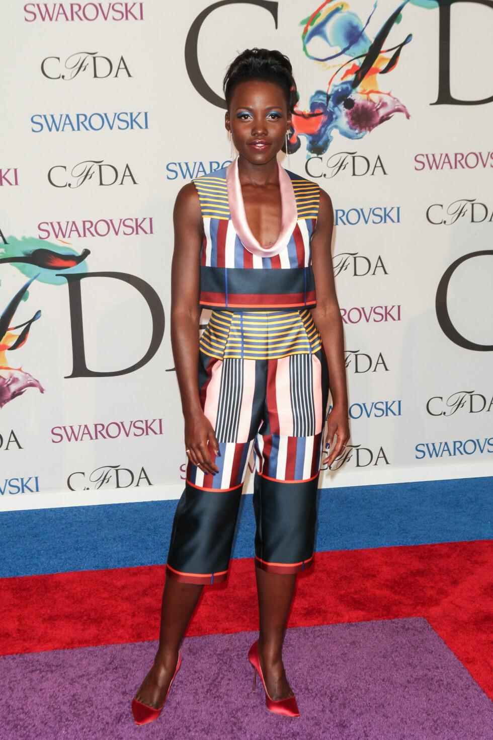 UTRADISJONELL: Oscar-vinner Lupita Nyongo. Foto: insight media/All Over Press