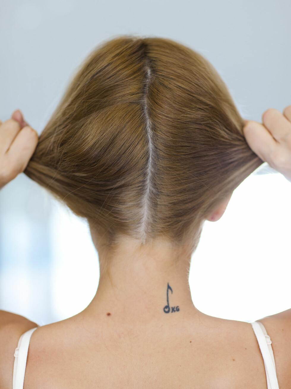 Vanskelig å krølle håret med tang?