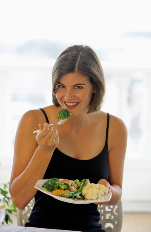 <strong>GIR LUFT:</strong> Enkelte grønnsaker, som brokkoli, blomkål og erter, inneholder mye vannløselige karbohydrater og fiber som kan være tungt for kroppen å fordøye. Foto: mediacolor's / Alamy/All Over Press