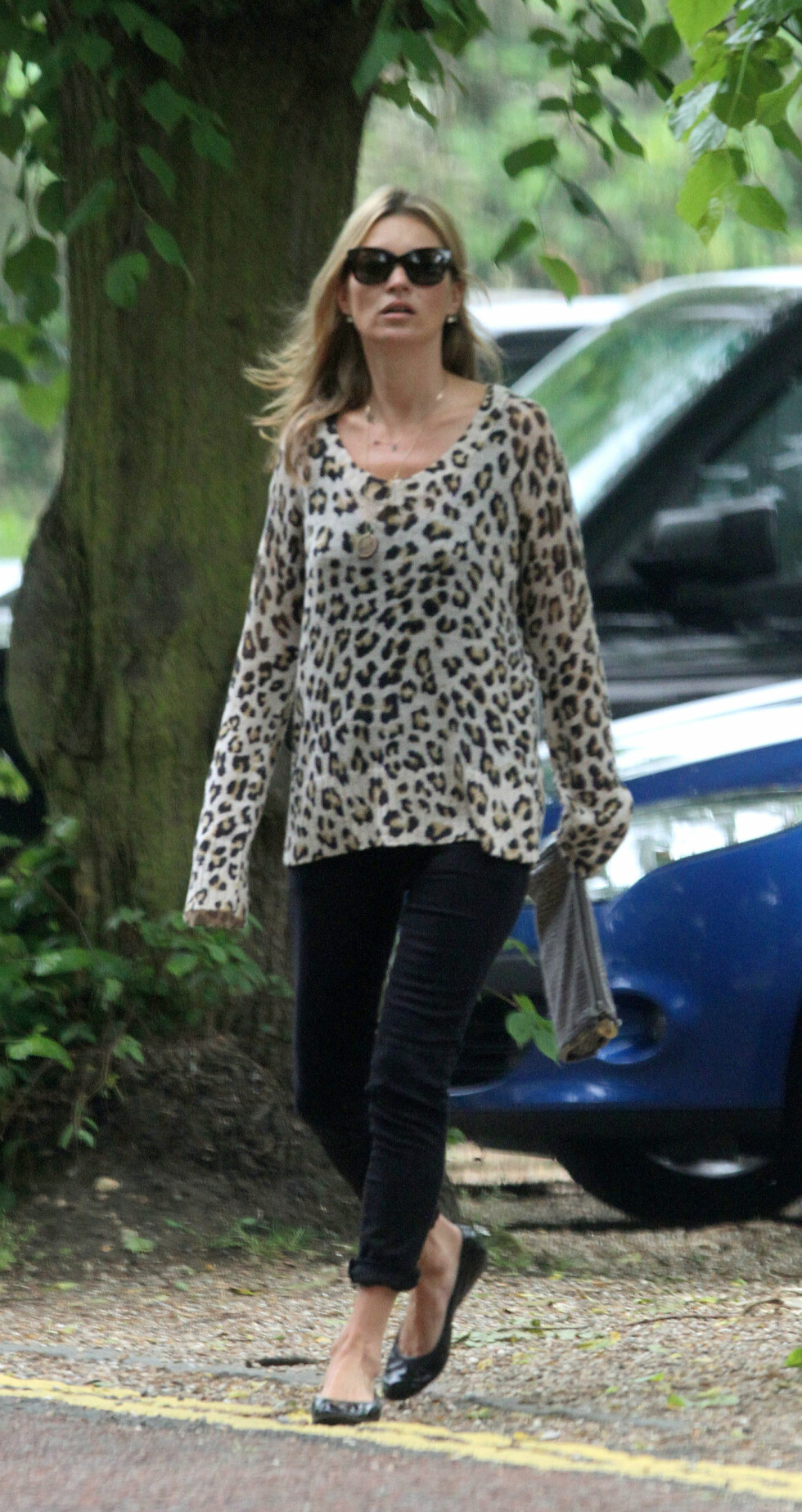 <strong>  Pictured:</strong> Kate Moss  Ref: SPL565534  200613   Picture by: W8 Media / Splash News  Splash News and Pictures Los Angeles:310-821-2666 New York:212-619-2666 London:870-934-2666 photodesk@splashnews.com  *** Local Caption *** 8.07472585 Foto: W8 Media / Splash News/ All Over