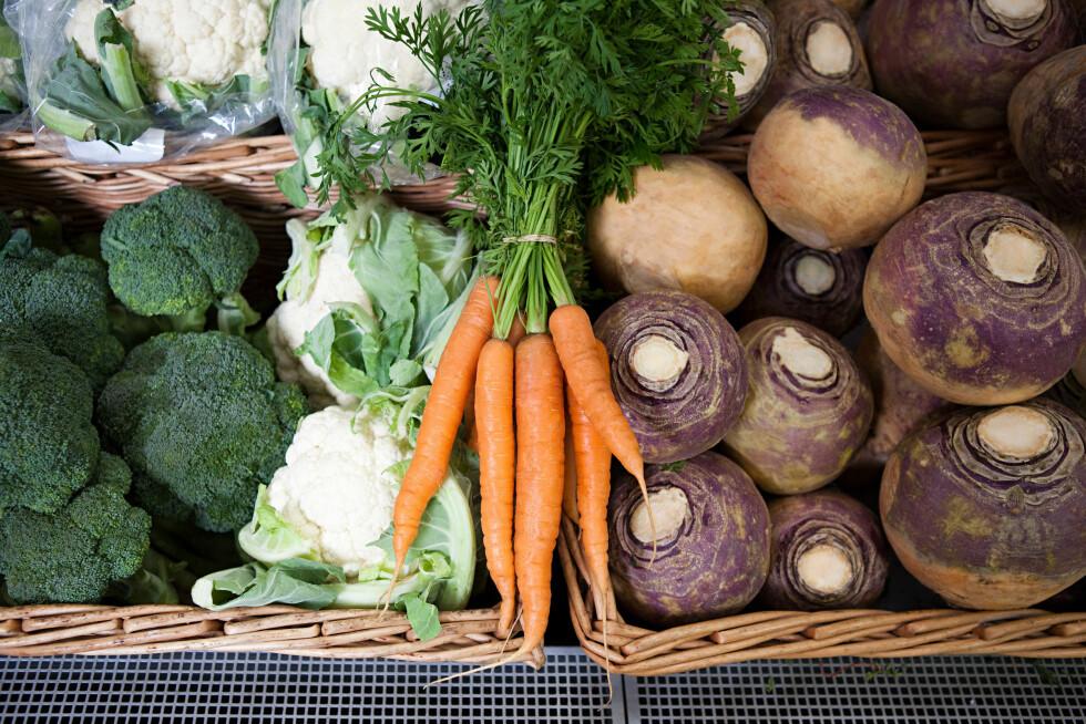 LUFT I MAGEN: Grønnsaker er noe av det sunneste du kan spise, men enkelte grønnsaker inneholder mye svovel som kan gi deg luft i magen, og illeluktende tarmgass. Foto: Image Source/All Over Press