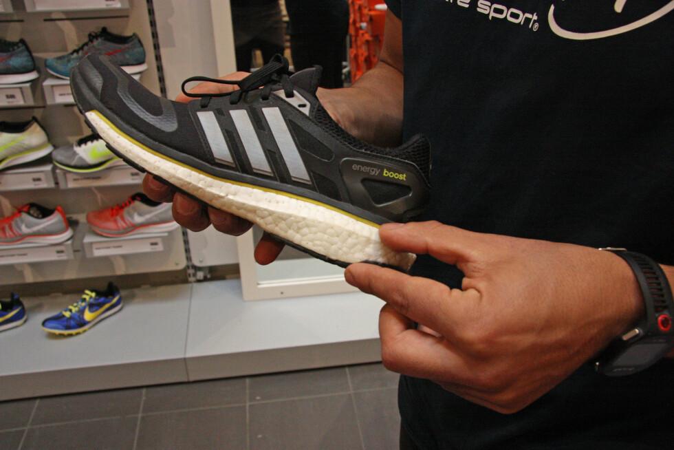 DEMPINGEN BLIR DÅRLIGERE: Over tid vil blant annet dempingen bli dårligere - noe som er sentralt for at skoene skal fungere på sitt beste.  Foto: Tone Ruud Engen