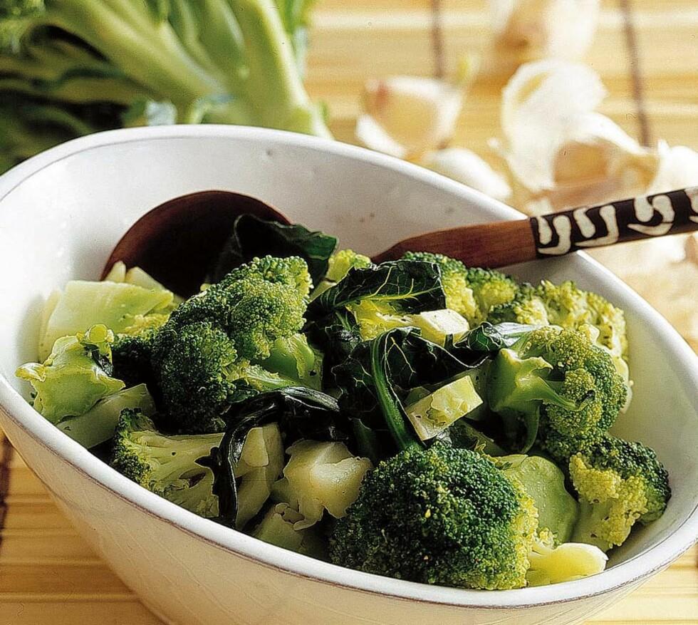 DEILIG OG FRISKY: Ha brokkoli sammen med pastaretten din, i salaten, eller ved siden av fisk, kjøtt og fugl - den er aller best dampet!. Foto: Thinkstock.com