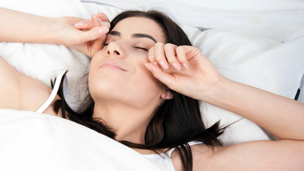 OVERSKUDD: Nok søvn og et balansert og næringsrikt kosthold er viktige faktorer for å ha overskudd i hverdagen. Her er matvarene du burde spise for å få ekstra energi. Foto: vladteodor - Fotolia