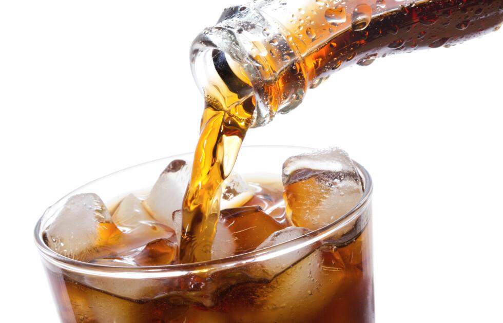 """<strong>DROPP LETTBRUS:</strong> Ifølge kostholdsekspertene er Solo og Noisy de """"beste"""" brusvariantene du kan drikke. Hold deg unna lettbrus og brus med store mengder sukker.  Foto: Colourbox"""