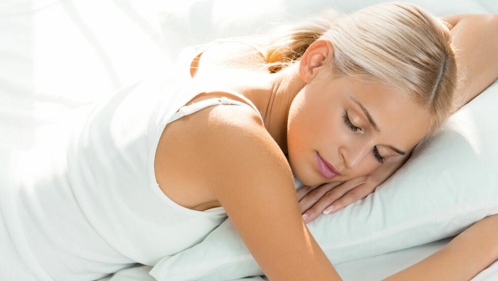 VIKTIG MED RIKTIG SØVNSTILLING: Måten du sover på har mye å si for helsen din.  Foto: vgstudio - Fotolia