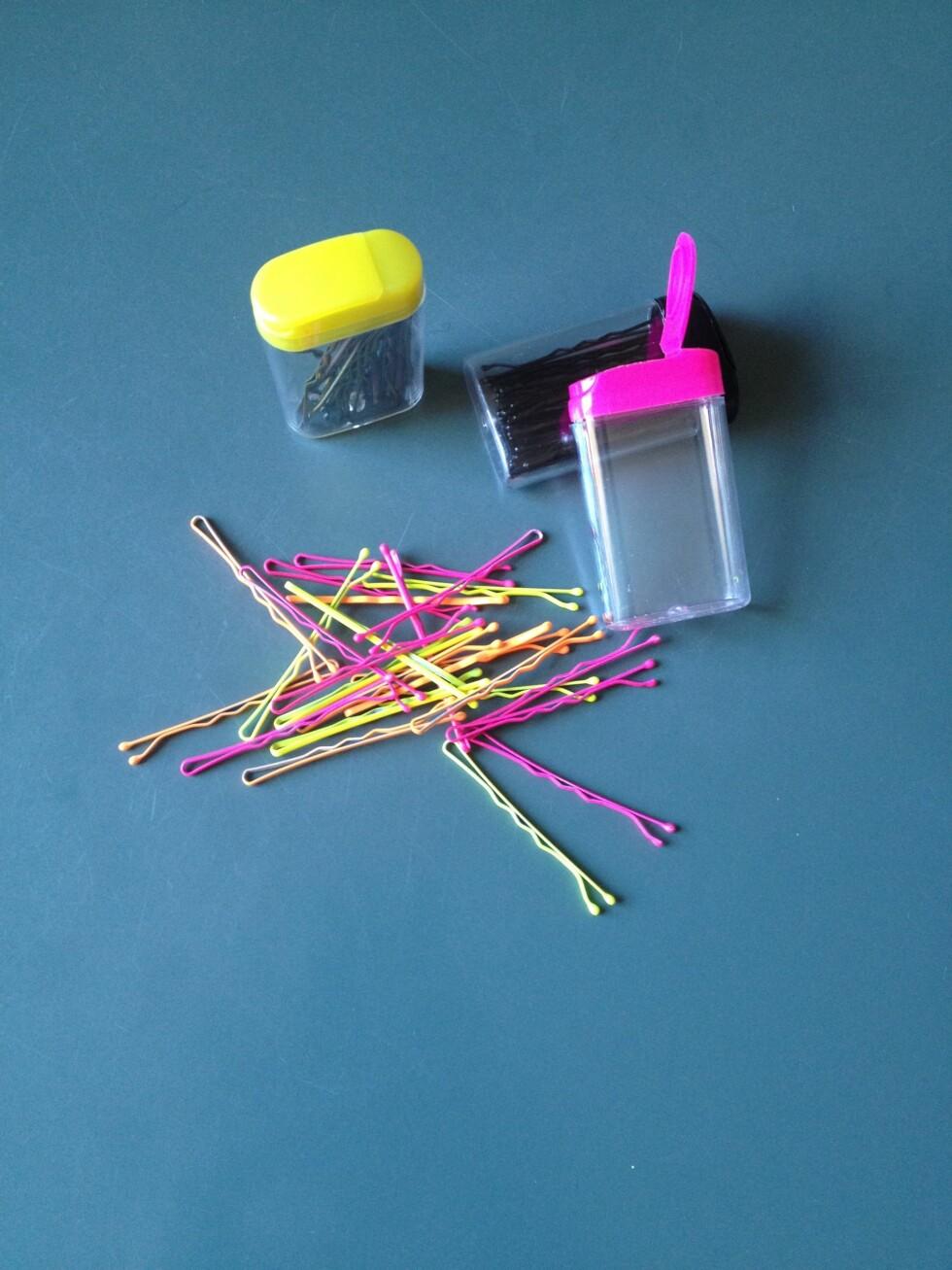 KAN SYNES: Nå er det helt lov å la hårnålene synes ekstra godt. Hva med hårnåler i neon eller pastellfarger?